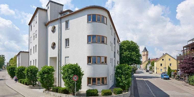 Malerarbeiten an der Alten Linde in Straubing